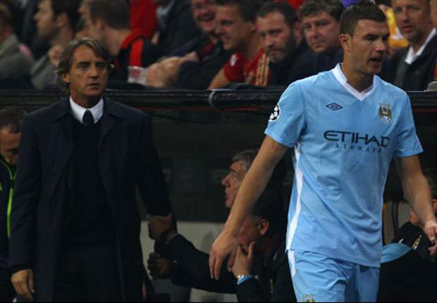 Manchester City manager Roberto Mancini admits that Carlos Tevez spat would not have happened at Manchester United