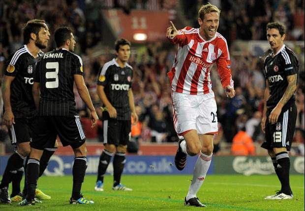 Stoke City manager Tony Pulis tips Peter Crouch to regain England place