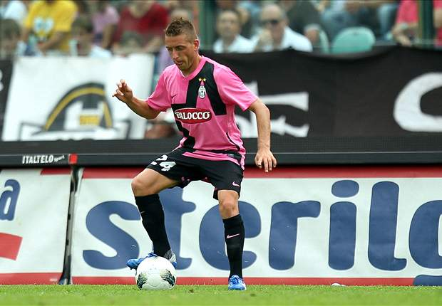 Juventus' Emanuele Giaccherini sustains thigh injury in Chievo clash