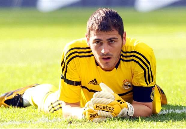Iker Casillas Segera Samai Rekor Andoni Zubizarreta