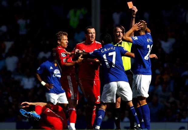 Everton 0-2 Liverpool: Carroll & Suarez win Merseyside derby after controversial Rodwell red card
