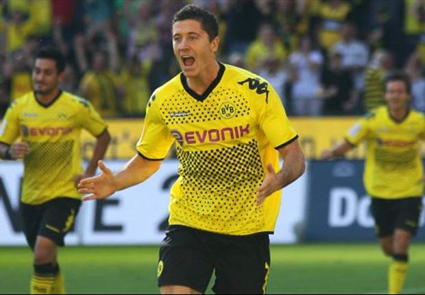 Borussia Dortmund 4-0 Augsburg: Lewandowski hat-trick seals emphatic victory for defending champions