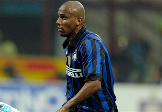 Inter's Maicon out for 15-20 days with knee injury