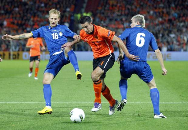 Netherlands 1-0 Moldova: Solitary Klaas-Jan Huntelaar strike seals victory