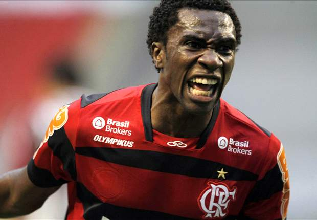 Negueba compara São Paulo e Flamengo