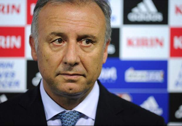 Japan coach Zaccheroni pens contract extension - report