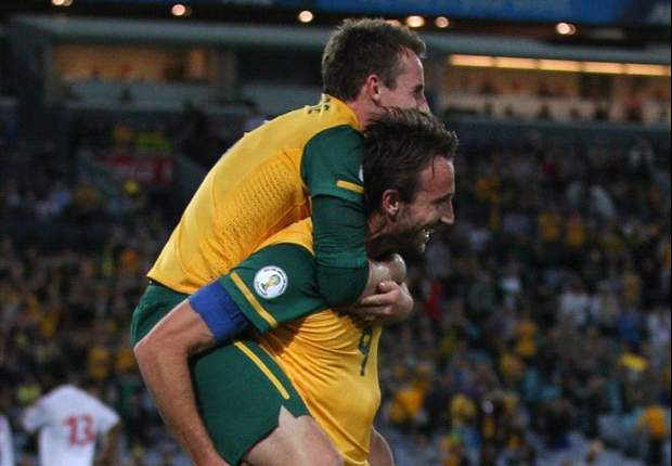 Australia 3-0 Oman: Crystal Palace's Mile Jedinak nets as Socceroos edge towards World Cup qualification