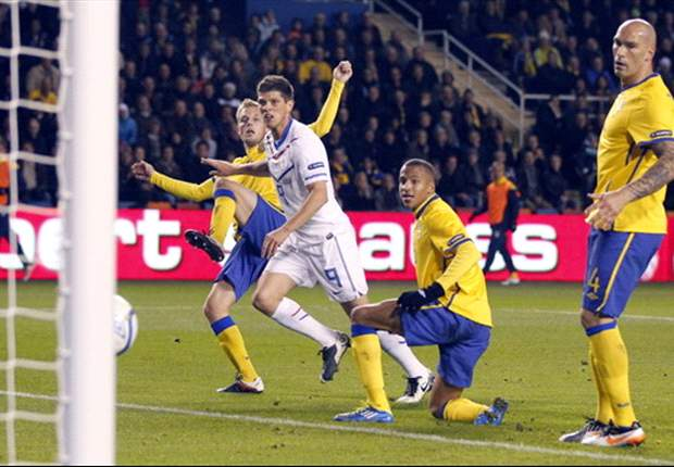 Sweden 3-2 Netherlands: Toivonen sends the Scandinavians through to Euro 2012 in thrilling contest