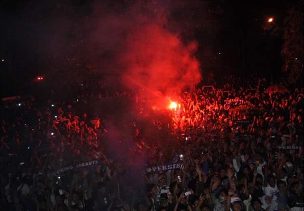 Bobotoh Persib, diminta tidak bawa mercon dan petasan ke dalam stadion.