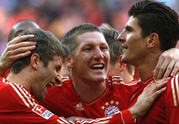 Bayern Munich 4-0 Nurnberg: Gomez double and further strikes from Ribery and Schweinsteiger secure Bavarian derby win for league leaders