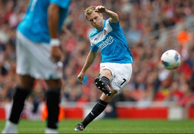 Sunderland midfielder Sebastian Larsson eyes Manchester City scalp
