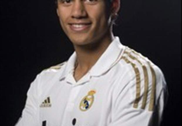 Raphael Varane Bangga Perkuat Real Madrid