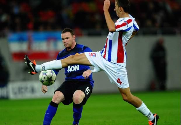 Zwak United door strafschoppen naar zege