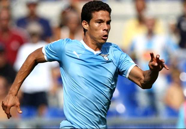 I am not leaving Lazio, says Hernanes