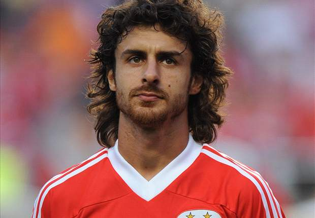 Pablo Aimar signs contract extension with Benfica