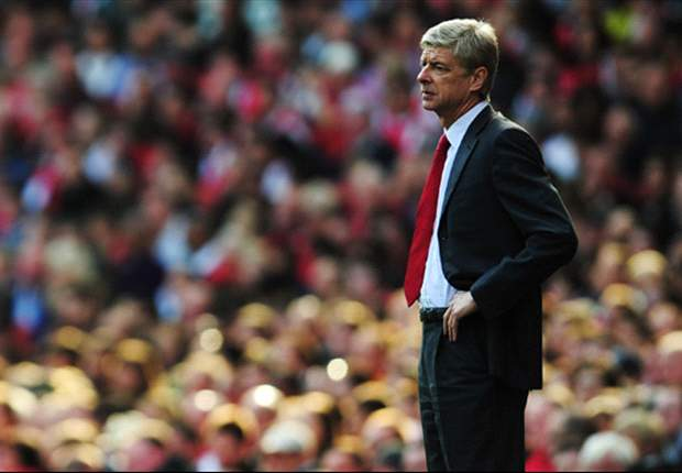 Arsene Wenger dismisses one-man Arsenal jibe following Robin van Persie double against Stoke City