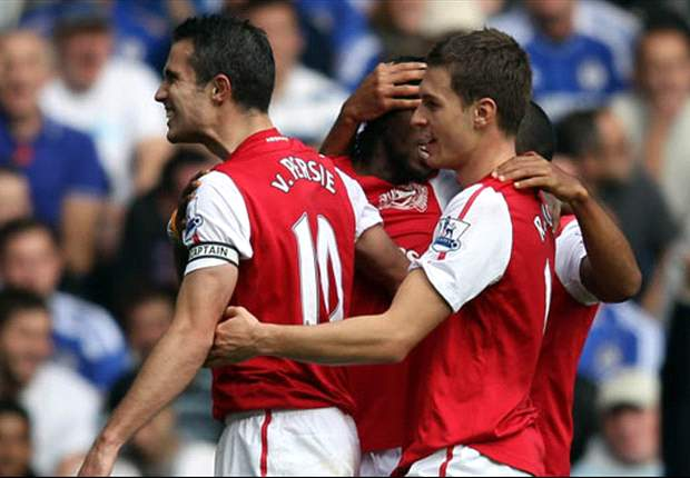 Chelsea 3-5 Arsenal: Magnificent Robin van Persie hat-trick caps incredible match as Gunners come from behind twice at Stamford Bridge