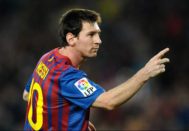 Lionel Messi in pole position to grab the Champions League top scorer prize while Cristiano Ronaldo remains a 12/1 shot