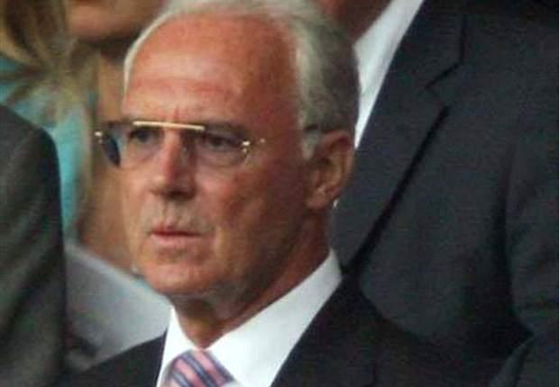 Franz Beckenbauer crítico contra la UEFA y la FIFA