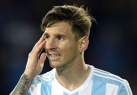 Argentina's flaws pile pressure Messi