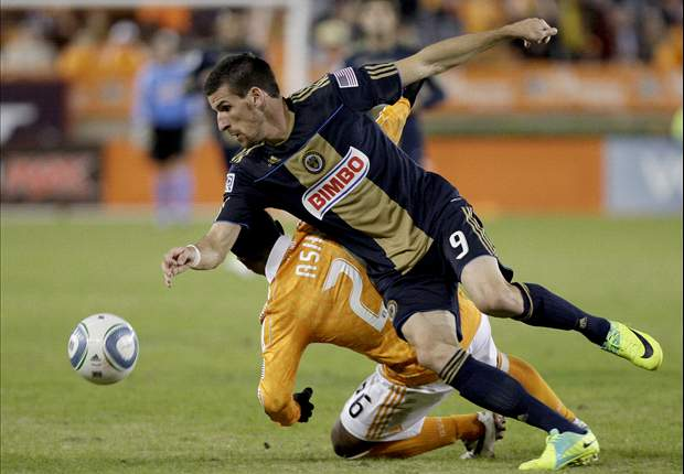 Houston Dynamo 1-0 (3-1 agg.) Philadelphia Union: Brian Ching goal helps Dynamo to Eastern Conference final