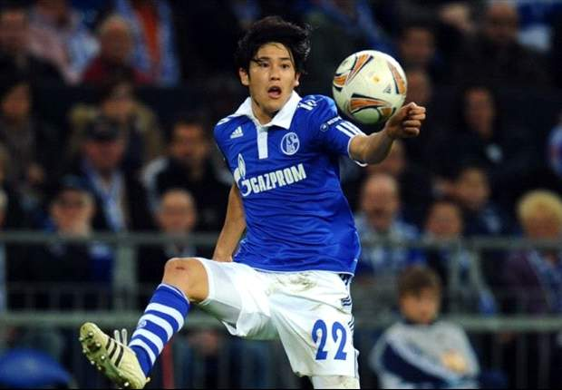 Atsuto Uchida signs contract extension with Schalke