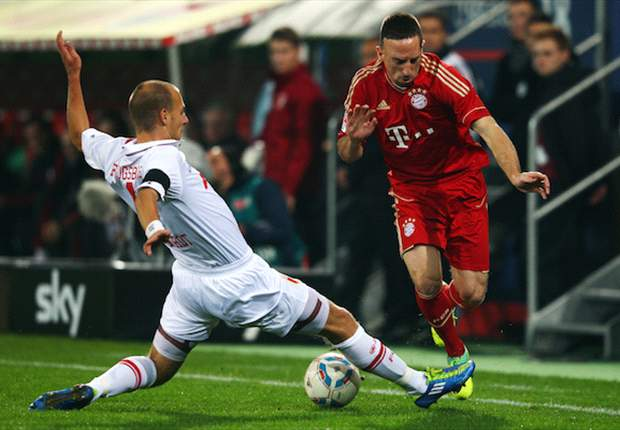 Augsburg 1-2 Bayern Munich: Gomez And Ribery Net As 10-Man Bavarians Move Five Points Clear At Top Of Bundesliga