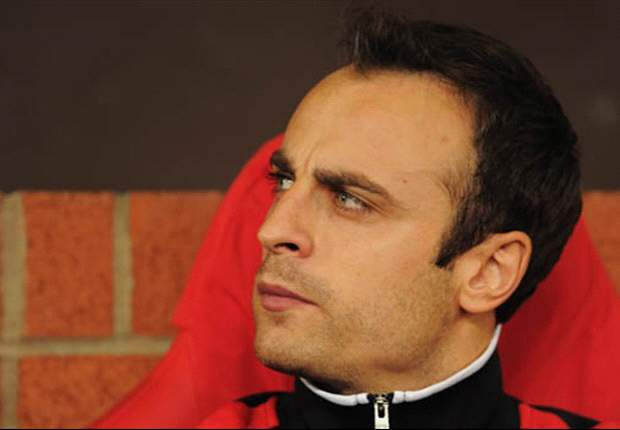 PSG move would interest Berbatov, says agent