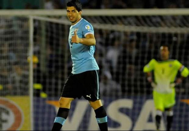 Suarez hat-trick leads Uruguay to comfortable Chile victory