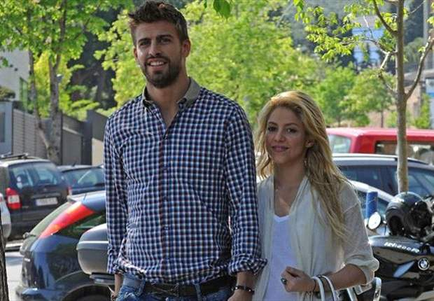 GAYA HIDUP: Shakira Umumkan Kehamilan Dengan Gerard Pique
