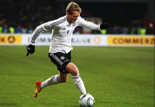 Chelsea to make improved €25.3m bid for Schurrle - report
