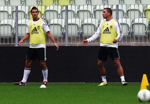 Koln's Lukas Podolski open to joining Lazio, claims agent