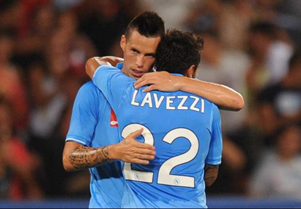 Villarreal 0-2 Napoli: Inler and Hamsik the heroes as Italians progress to the knockout stages ahead of Manchester City