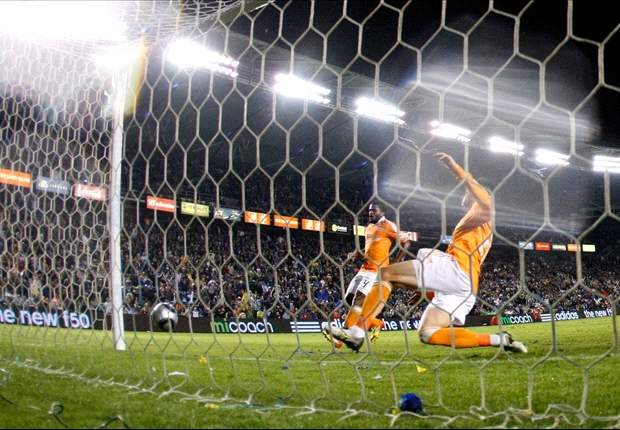 Houston Dynamo defender Geoff Cameron was worried about further damage to knee in MLS Cup final