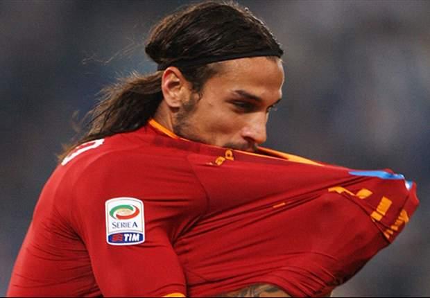 Pablo Osvaldo apologizes after striking Roma teammate Erik Lamela
