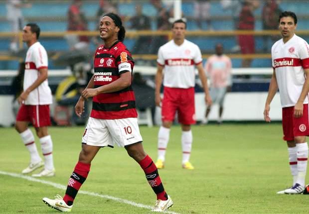 Corinthians Berniat Rekrut Ronaldinho