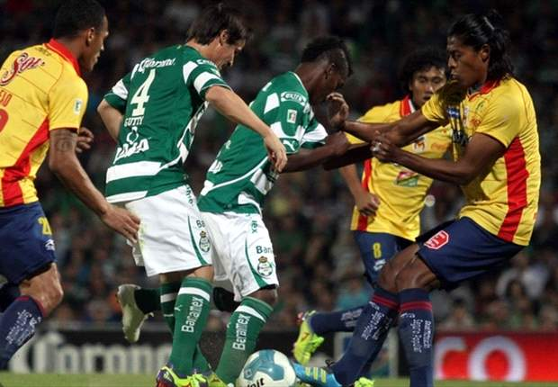 Morelia 2-1 Santos Laguna: Oribe Peralta hands Santos late lifeline in semifinal