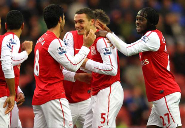 Wigan 0-4 Arsenal: Robin van Persie caps impressive victory as Gunners turn on the style to get back to winning ways