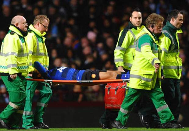 Chicharito injury opens door for Berbatov & Welbeck - but Manchester United's opponents could seize their chance too