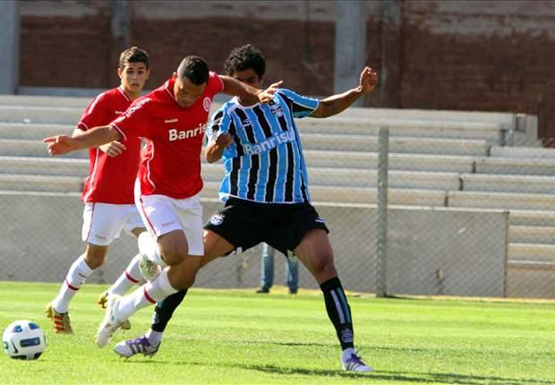 Luxemburgo afirma que Vilson não joga mais com a camisa do Grêmio