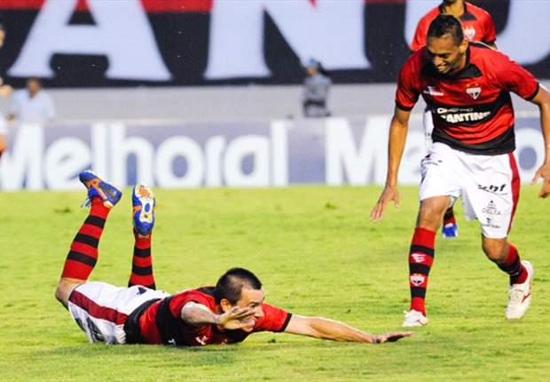 Artur Neto muda equipe titular do Atlético-GO para enfrentar o Vasco