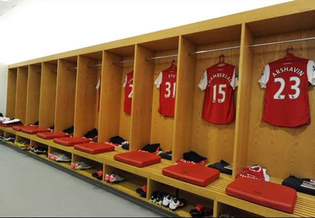 Edwin Van Der Sar: Arsenal Tim Penjual Pemain