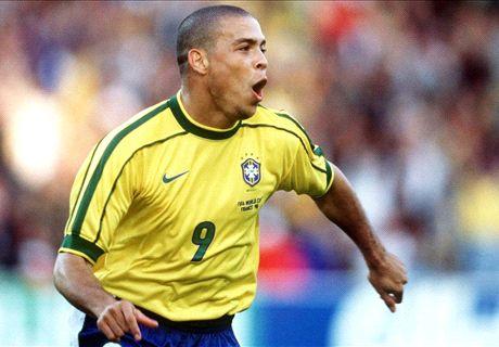 Ronaldo, Raul et les 10 meilleurs N°9 de l'histoire