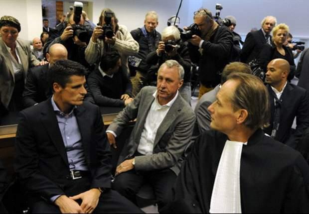 Ajax bevestigt aftreden RvC