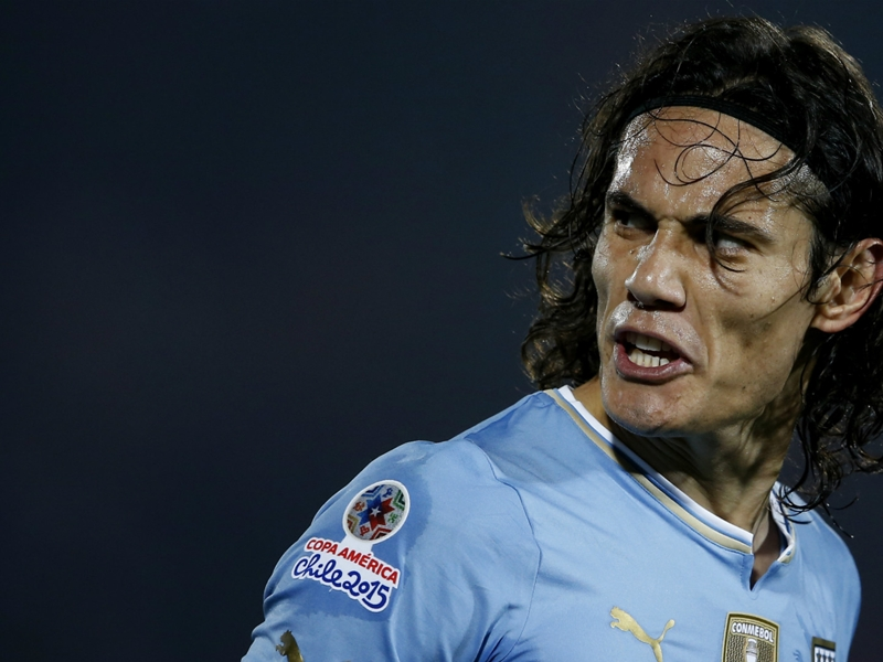 Cavani se blesse avec l'Uruguay