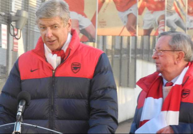 Arsene Wenger tells Arsenal side to ignore fan and media criticism in team meeting - report