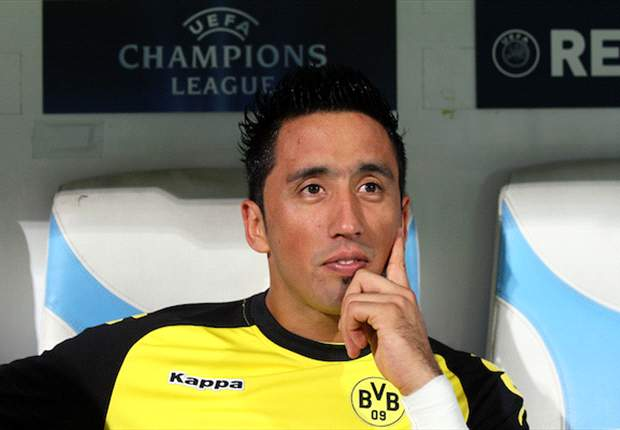 Fulham in negotiations with Borussia Dortmund over transfer of Lucas Barrios - report