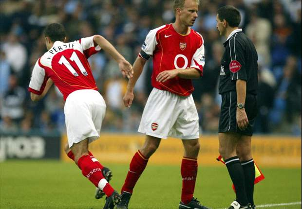Dennis Bergkamp: 'Arsenal are predictable, weak and lacking a winning mentality'