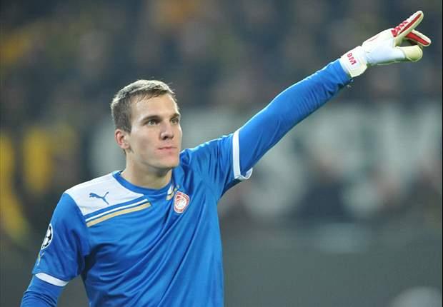 Everton Incar Kiper Muda Hongaria
