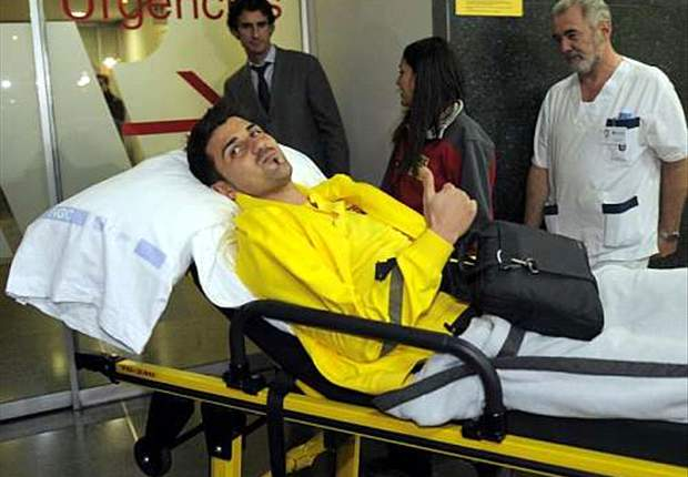 Barcelona's David Villa released from hospital in time for Christmas after broken leg